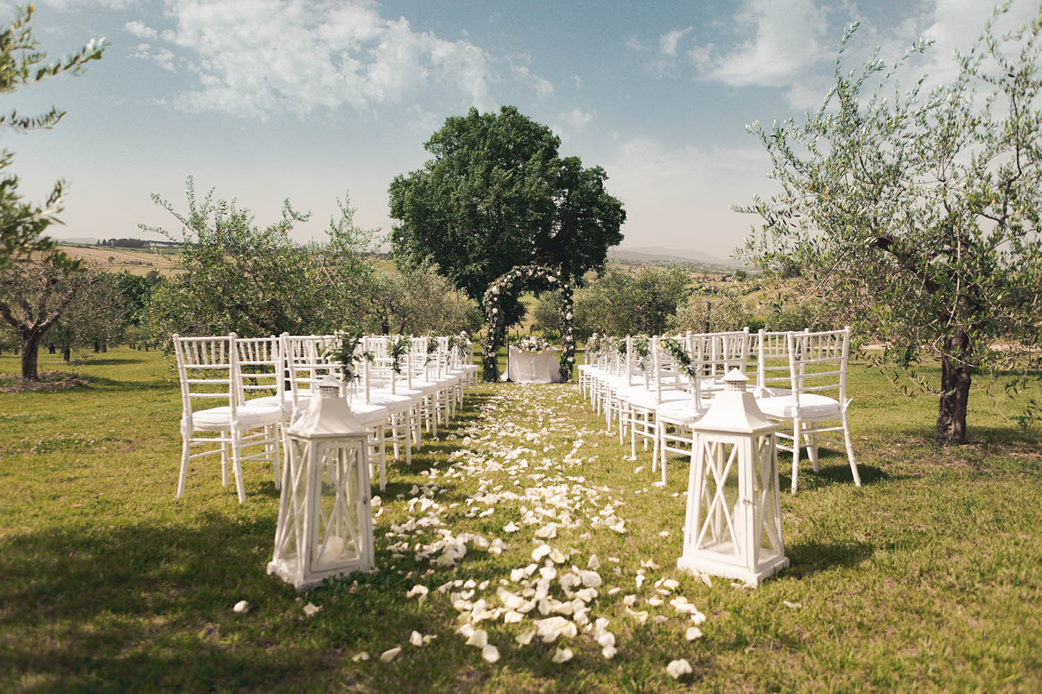 The wedding ceremony - Relais Tenuta dei Mori